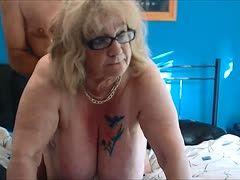 Arschfick mit der blonden Oma
