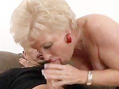 pornovideo geile seniorin in schwarzen strapsen